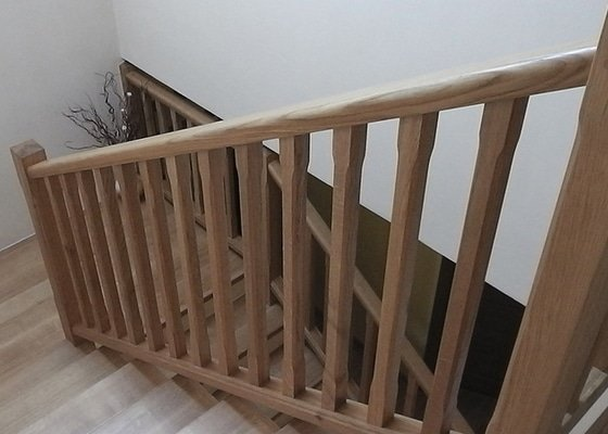 Tesaře pro masivní schodiště