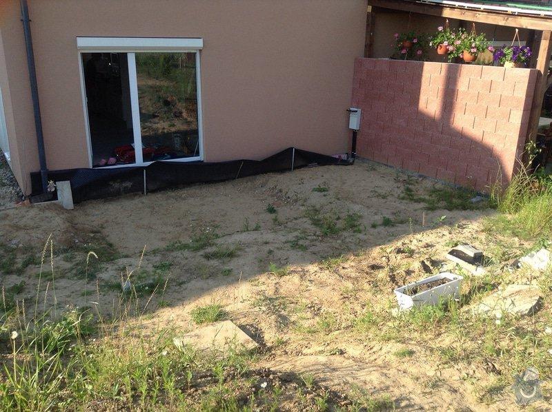Vybetonování terasy + vydláždění stání na auto: terasa