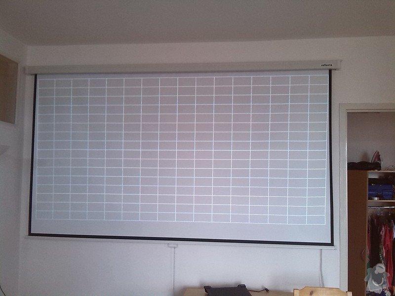 Montáž stropního světla, rolet a projektoru: projekcni_platno