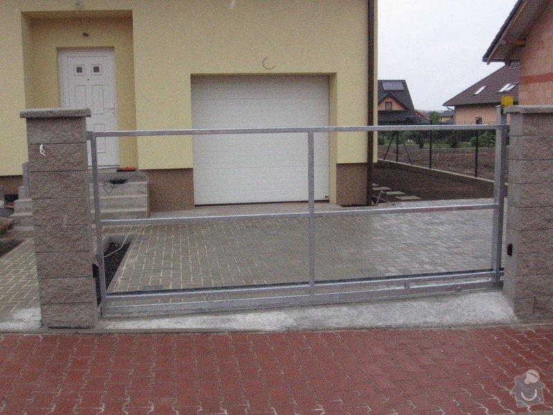 Pojezdová brána a branka.: IMG_3156