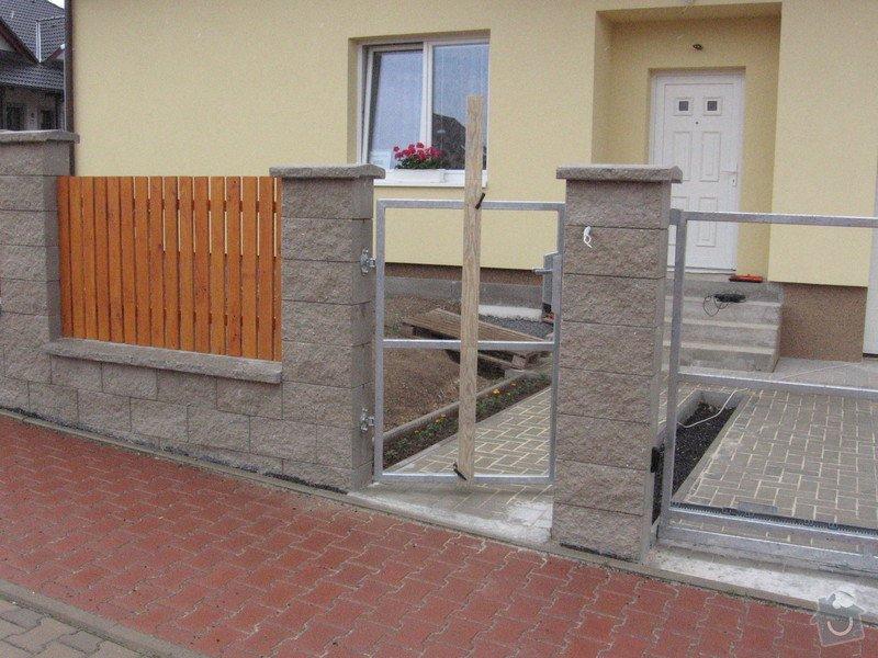 Pojezdová brána a branka.: IMG_3157