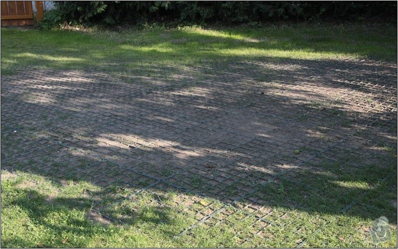 Zahradni parkovaci stani cca 35m2 : IMG_7231