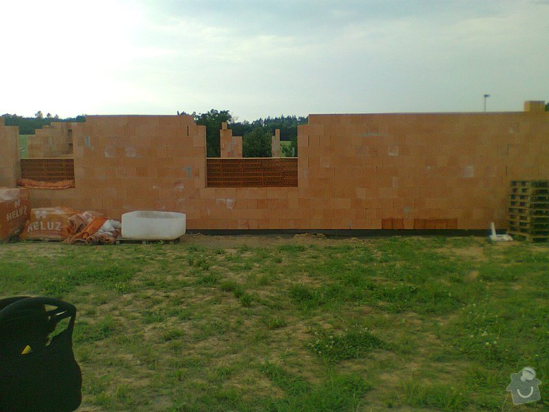 Pomocné i samostatné stavebné práce pri stavbe rodinného domu: Fotografie0100