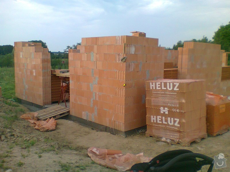 Pomocné i samostatné stavebné práce pri stavbe rodinného domu: Fotografie0101