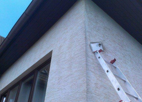 Přidělání venkovního světla nad dveře