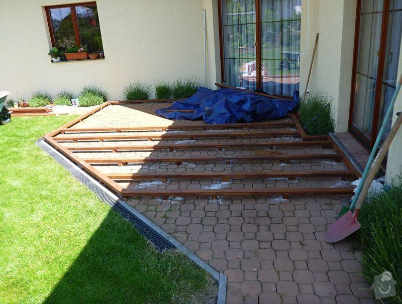 Venkovní terasa z materiálu merbau (Intsia Bijuga): P1020253