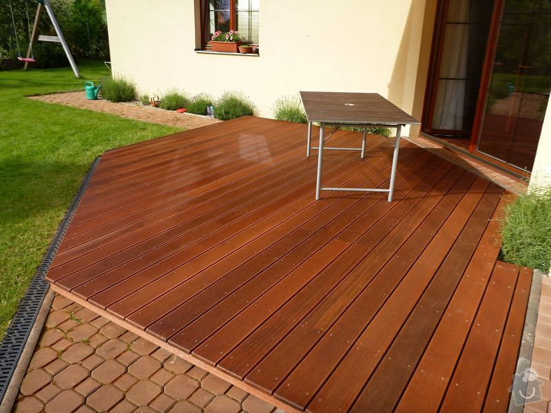 Venkovní terasa z materiálu merbau (Intsia Bijuga): P1020260
