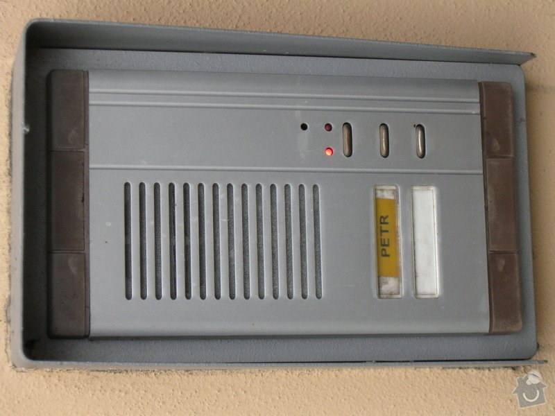 Opravu domovního telefonu: IMG_1120