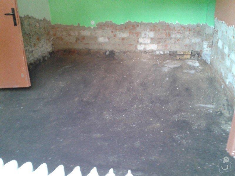 Dům po povodňích. 3 místnosti á 22m2 hydroizolace, betonová podlaha + omítky: WP_000631