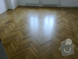 Renovace parket: pokladka_a_lakovani_parket