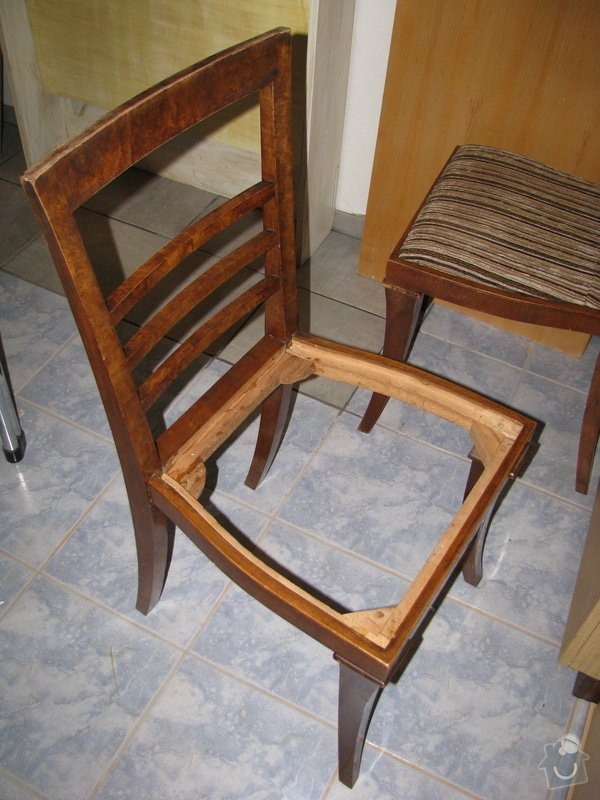 Zrestaurování 4 jídelních židlí: IMG_2220