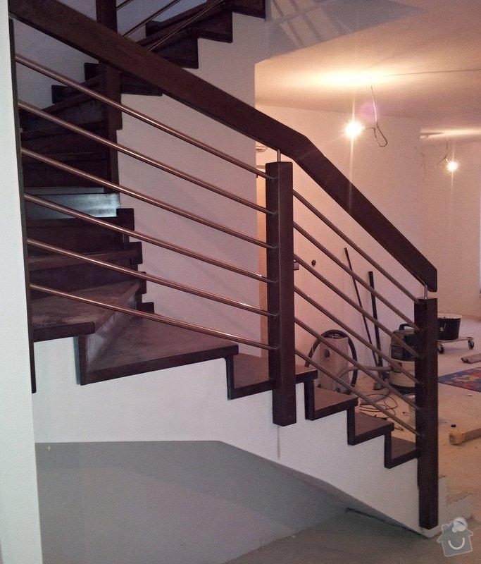 Obložení  betonového schodiště dřevem: schodiste_zabradli