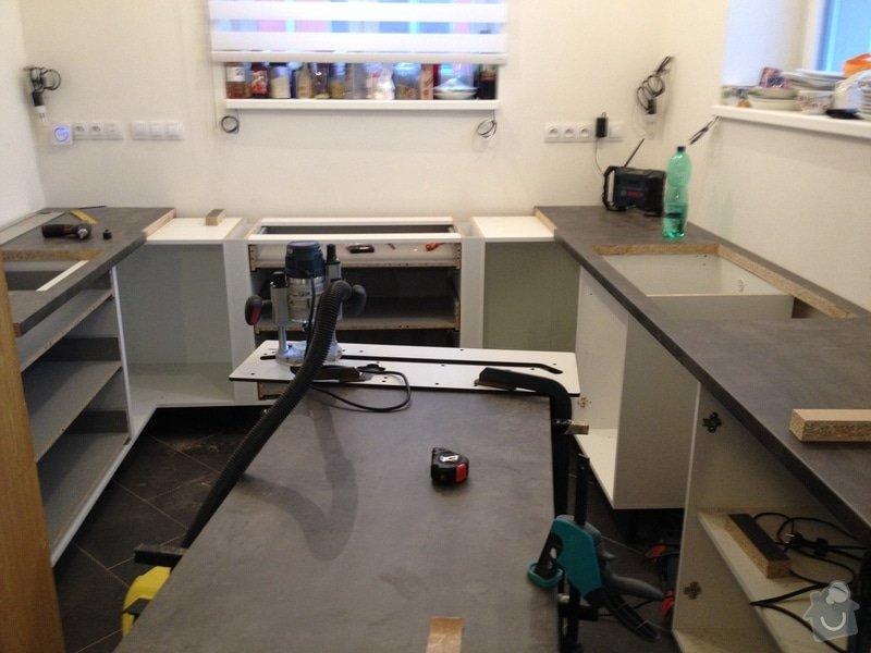 Instalace pracovní desky v kuchyni: 063