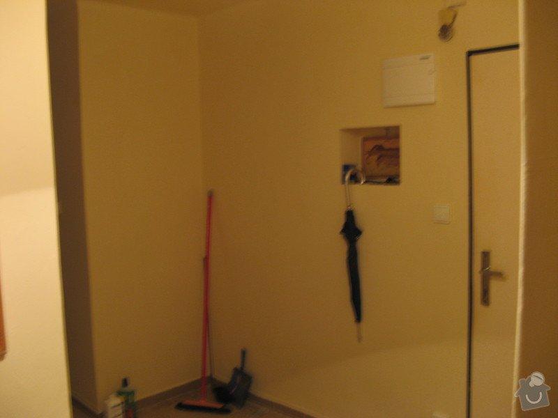 Předsíňová stěna s úložnou skříní: IMG_0926