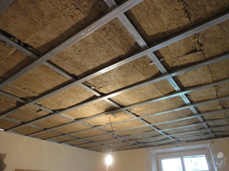 Sádrokarton - stropy s ukotvením: DSC01535
