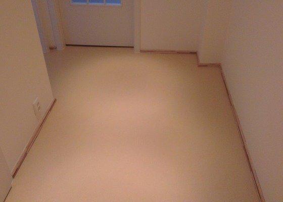 Laminátová podlaha + marmoleum