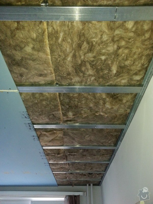 Odhlučnění stropu a stěny v paneláku.: 20140106_135751