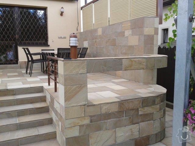 Přírodní kámen - terasa, schody: piskovec_obklad