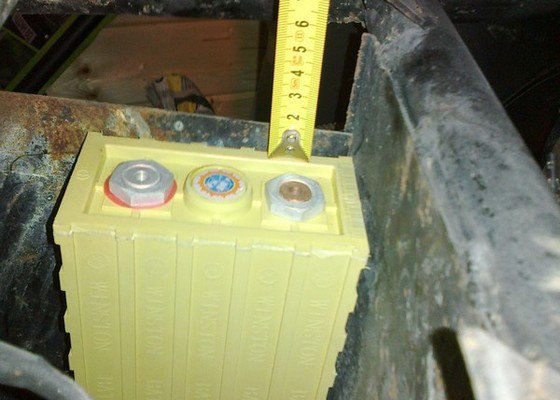 Nové uchycení nerez bateriové vany na elektrskútru, případně nová vana (nemusí být nerez)
