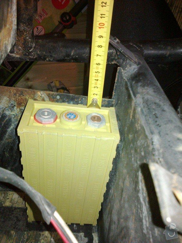 Nové uchycení nerez bateriové vany na elektrskútru, případně nová vana (nemusí být nerez): 13112012048