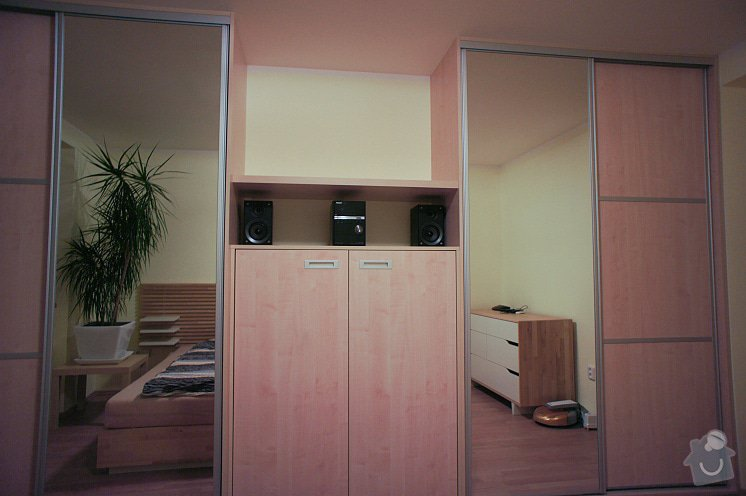 Ložnicová stěna: DSC01632