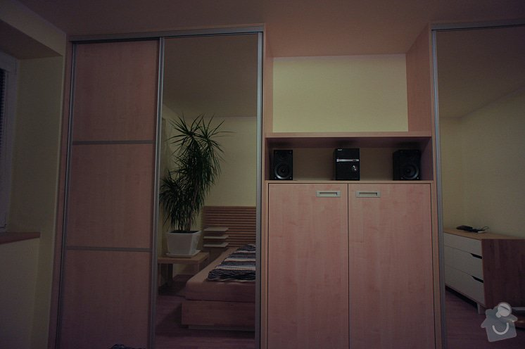 Ložnicová stěna: DSC01633