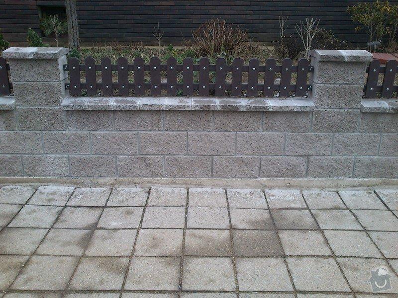 Stavba plotu ze štípaných tvárnic: DSC_0537