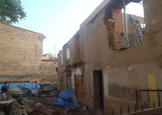 Kompletní rekonstrukce domů r.1713