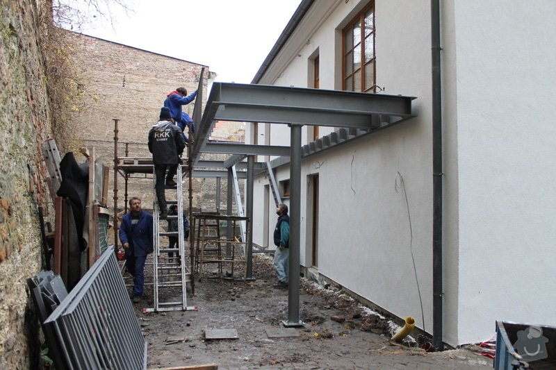 Kompletní rekonstrukce domů r.1713: 037