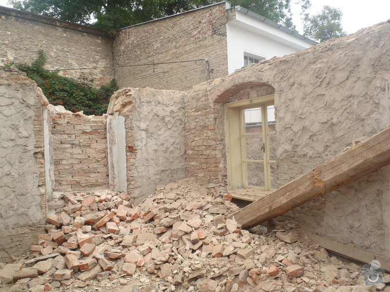 Kompletní rekonstrukce domů r.1713: P1111251