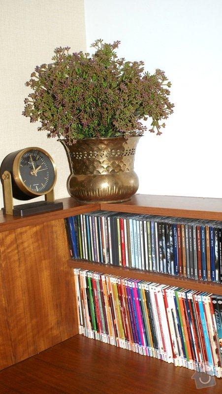 REFRESH obývacího pokoje: detail_police_CD_DVD