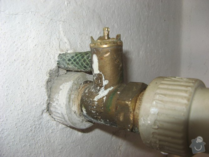Výměna tlakového ventilu v rozvodu u bojleru: tlakovy_a_vypustny_ventil