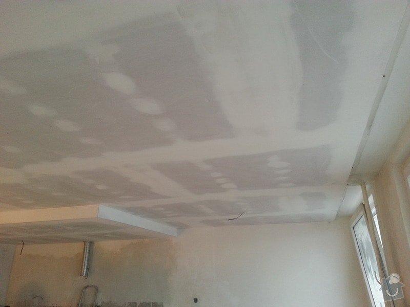 Podhled v prostoru obývák/kuchyň: 20140117_104740