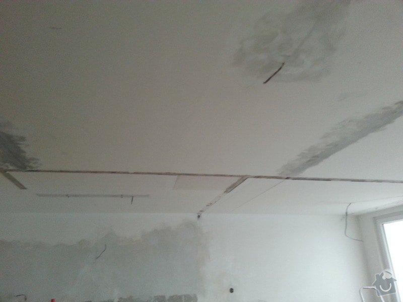 Podhled v prostoru obývák/kuchyň: 20140116_094658