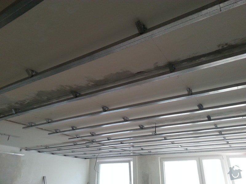 Podhled v prostoru obývák/kuchyň: 20140116_143455