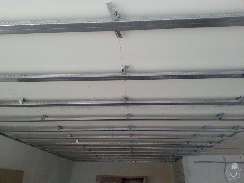 Podhled v prostoru obývák/kuchyň: 20140116_143506