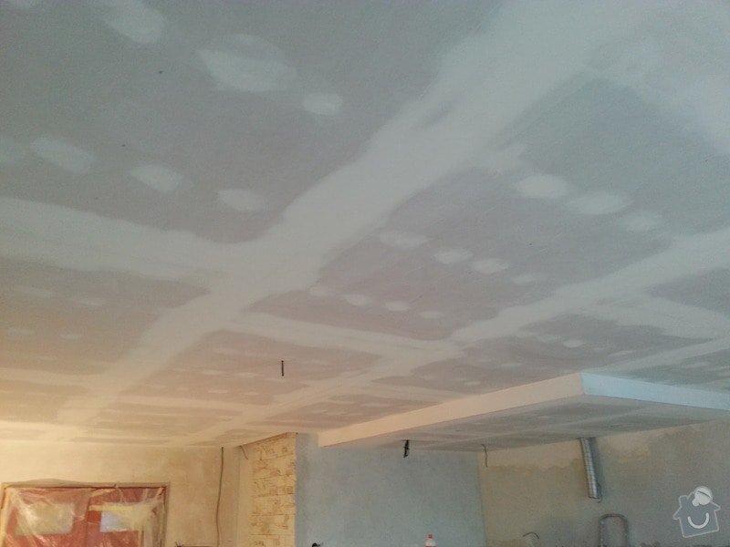 Podhled v prostoru obývák/kuchyň: 20140117_104734
