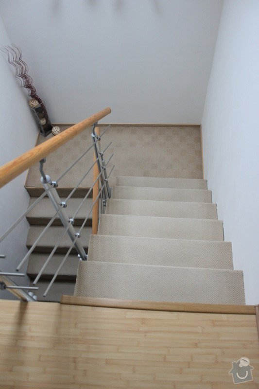 Dřevěné obložení schodiště (7 m2): IMG_3285