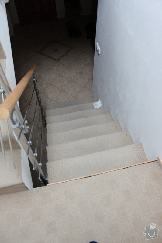 Dřevěné obložení schodiště (7 m2): IMG_3291
