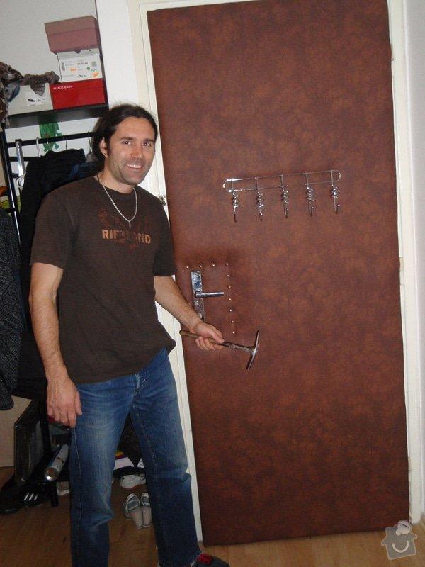 Odhlučnění bytových dveří: PB120078