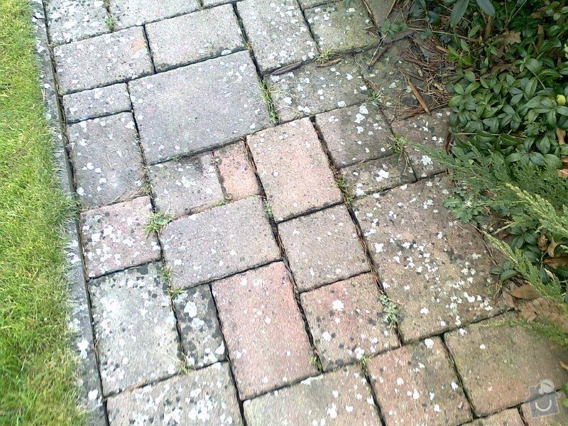 Opravu místy propadlé zámkové dlažby: 005