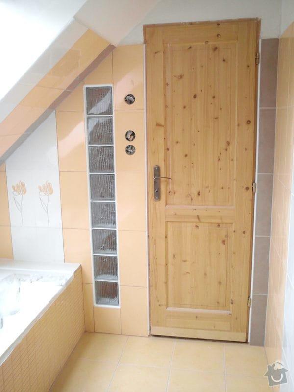 Obklad koupelny podkroví: DSC00702