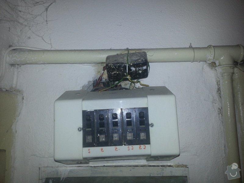 Oprava rozvodů elektřiny/pojistek: 2014-02-11_19.27.28