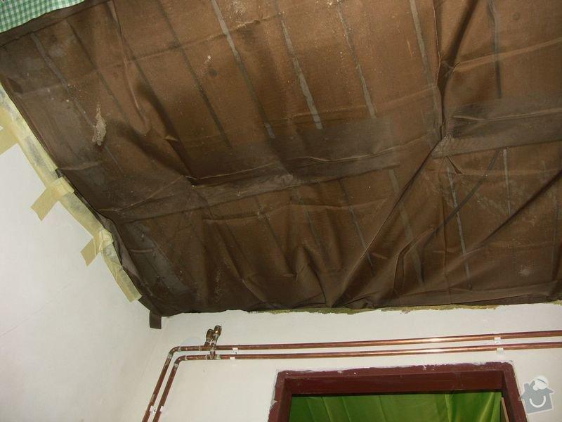Rekonstrukce dřevěných stropů a podlahy půdy, přístupu na půdu a termoizolace: 1pred_provizorne_zakryty_strop_koupelny
