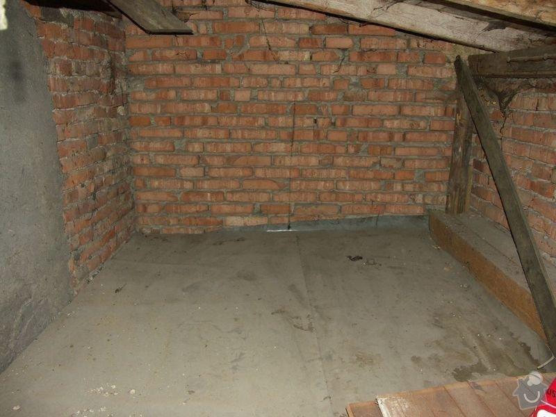 Rekonstrukce dřevěných stropů a podlahy půdy, přístupu na půdu a termoizolace: 1pred_puda_nad_koupelnou