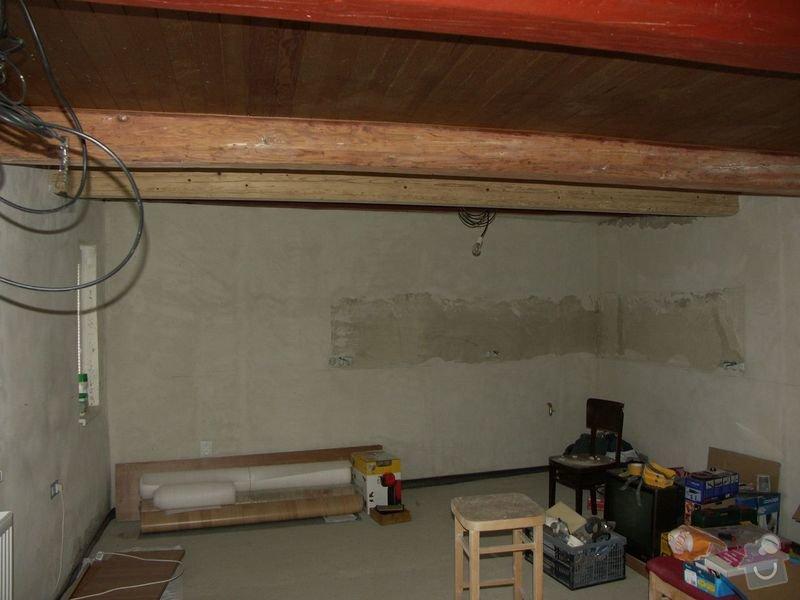 Rekonstrukce dřevěných stropů a podlahy půdy, přístupu na půdu a termoizolace: 1pred_strop_ve_vetsi_mistnosti