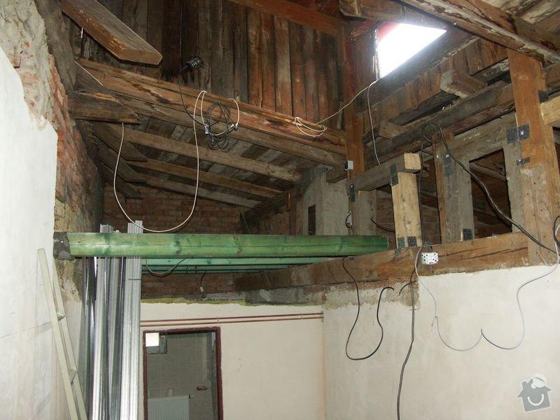 Rekonstrukce dřevěných stropů a podlahy půdy, přístupu na půdu a termoizolace: 2-4prubeh_priprava_prostoru_pred_koupelnou