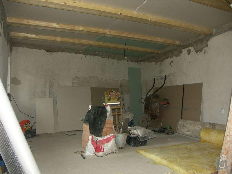 Rekonstrukce dřevěných stropů a podlahy půdy, přístupu na půdu a termoizolace: 2-6prubeh_nove_tramy_a_sadrokarton_na_strope