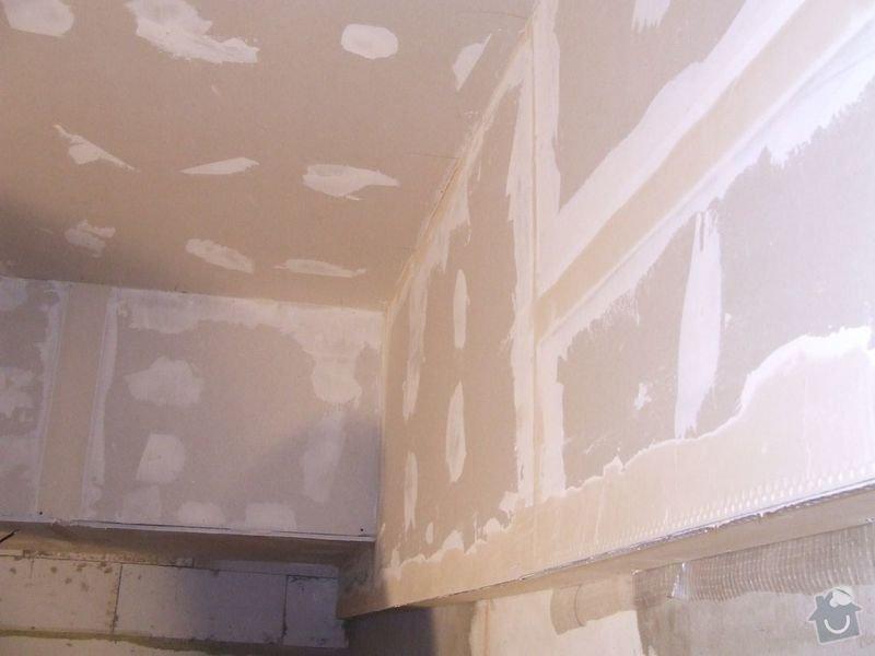Rekonstrukce dřevěných stropů a podlahy půdy, přístupu na půdu a termoizolace: 3dokoncovani_detail_sadrokarton_v_chodbe_pred_koupelnou