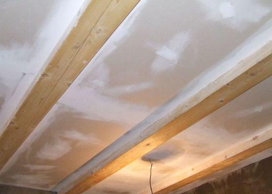 Rekonstrukce dřevěných stropů a podlahy půdy, přístupu na půdu a termoizolace